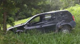 carro-mukirana-abandonado