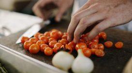 cozinha-cozinheira-restaurante