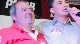 Manoel Mendes (E) e o filho Marcelo (D), na campanha de 2012. Arquivo pessoal