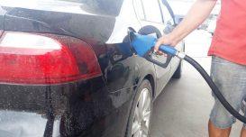 posto-de-gasolina-abastecendo