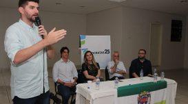 Romulo Camilo, em foto de arquivo, discursa durante evento do DEM Laguna, em 2019 – Foto: Elvis Palma/Agora Laguna