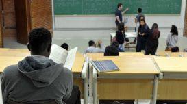 Arquivo/Agência Brasil   UnB reserva vagas para negros desde o vestibular de 2004   Percentual de negros com diploma cresceu quase quatro vezes desde 2000, segundo IBGE